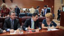 Las empresas públicas de Madrid sirvieron al PP para lucrarse: controles más laxos y presupuestos millonarios
