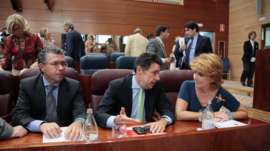 Francisco Granados, Ignacio González y Esperanza Aguirre, en el Debate sobre el Estado de la Región de 2009. / madrid.org