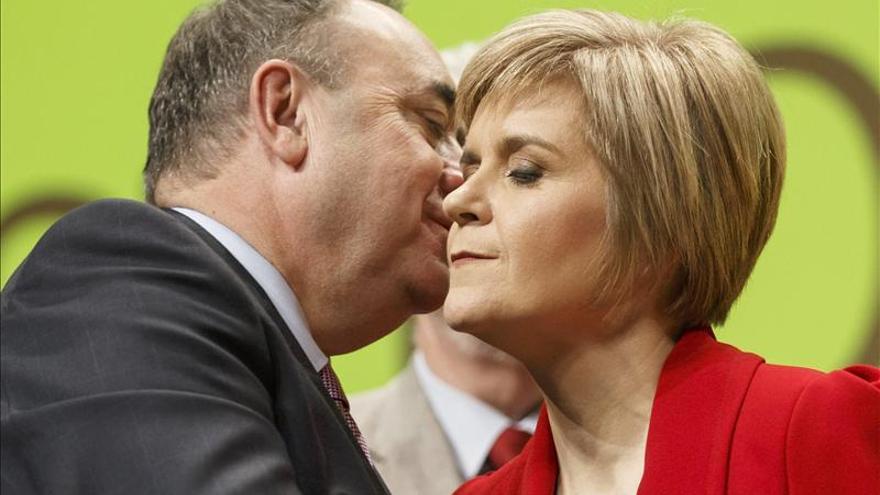Sturgeon jura el cargo de ministra principal de Escocia