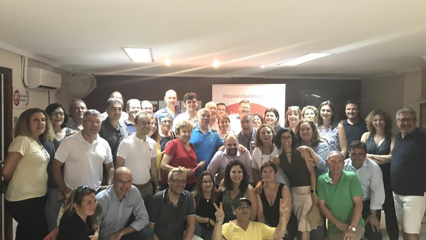 Ximo Puig rodeado de militantes del PSPV-PSOE en Sant Joan (Alicante).