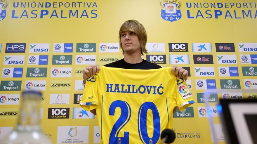 El internacional croata Alen Halilovic, que llega al club cedido por el Hamburgo, fue presentado oficialmente como nuevo jugador de la Unión Deportiva Las Palmas. EFE/Ángel Medina G.