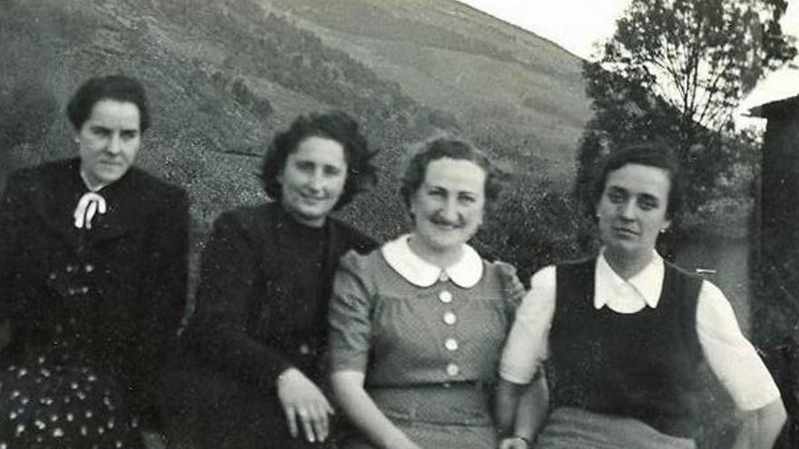 Tere Verdes, Delia Lauroba, Bittori Etxeberria e Itziar Mujika