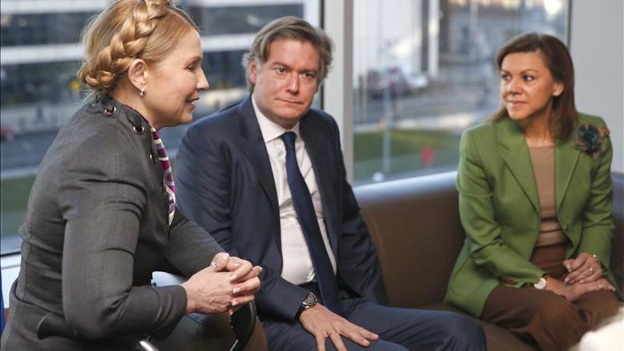 La secretaria general del PP, Maria Dolores de Cospedal, se reúne con Yulia Timoshenko junto a Antonio López Istúriz / EFE
