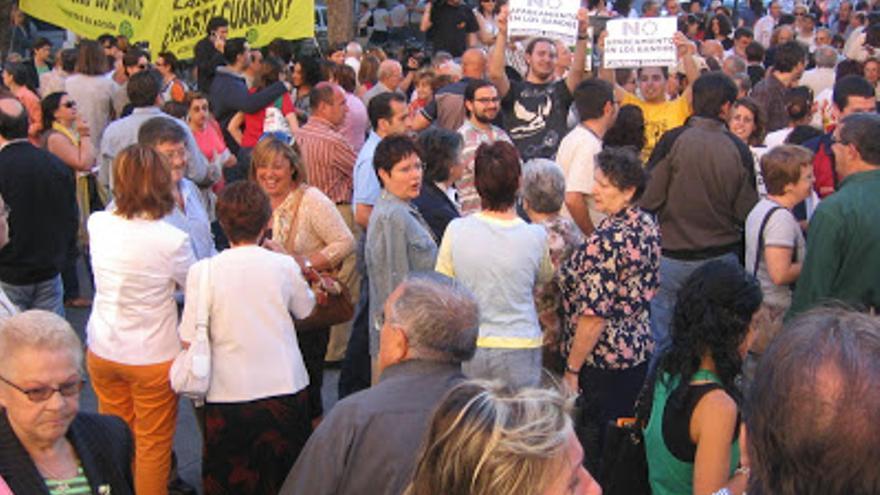Manifestación en contra del aparcamiento de Los Bandos, en Salamanca. patrimoniodecastillayleon.blogspot.com