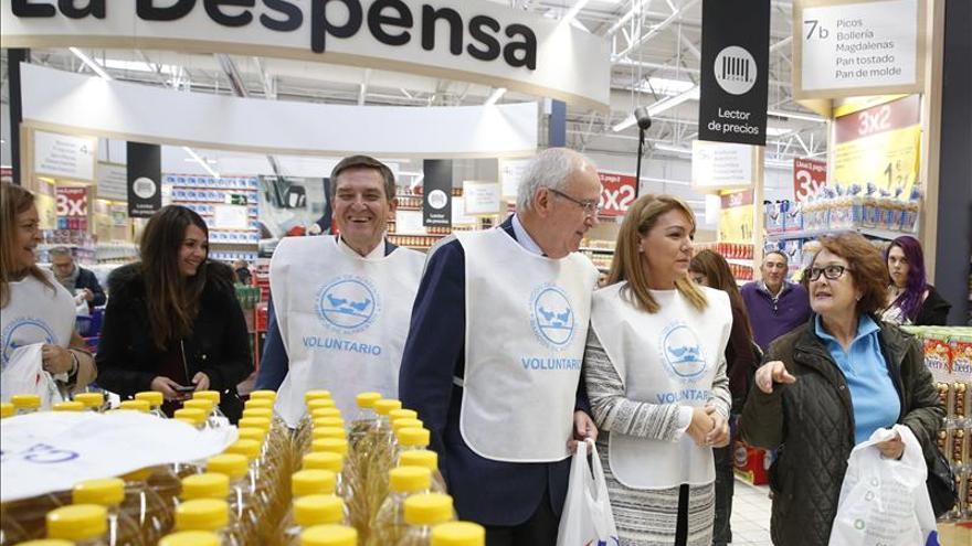 """Camarero anima a aportar """"kilos de solidaridad"""" en la campaña de alimentos"""