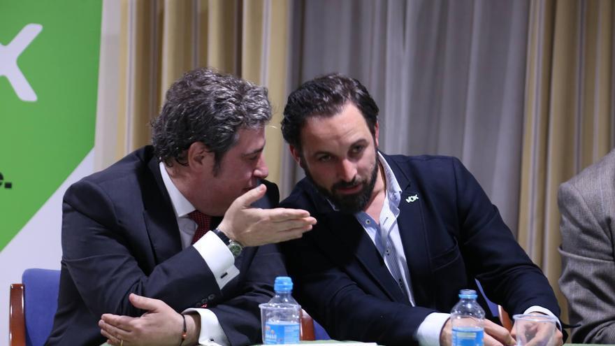 José María Llanos y Santiago Abascal en un acto de Vox