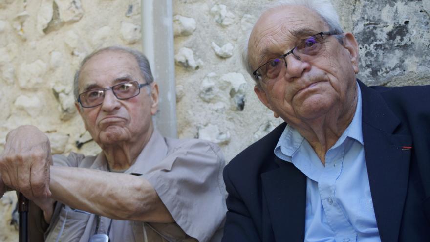 Los miembros de la Resistencia, Ralph Finkler y Lucien Cournil, no quisieron perderse el homenaje a su compañero