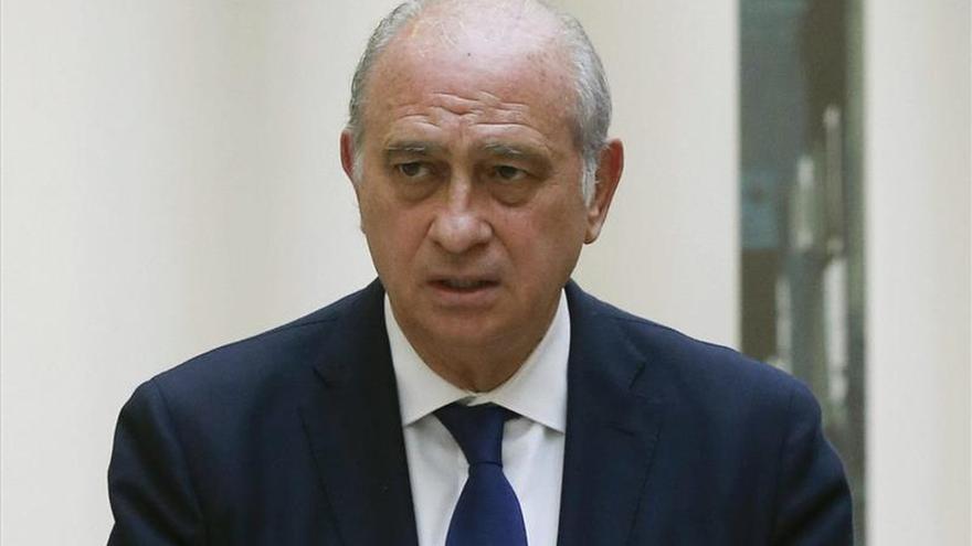 Fernández Díaz pide dimisiones a Mas si la Audiencia archiva la denuncia de los Mossos