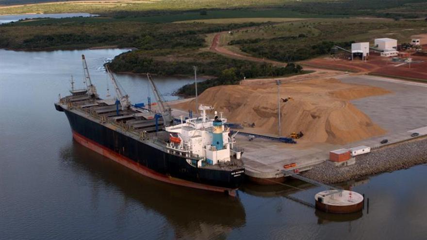 Solucionan embotellamiento de buques paraguayos en el Puerto de Montevideo
