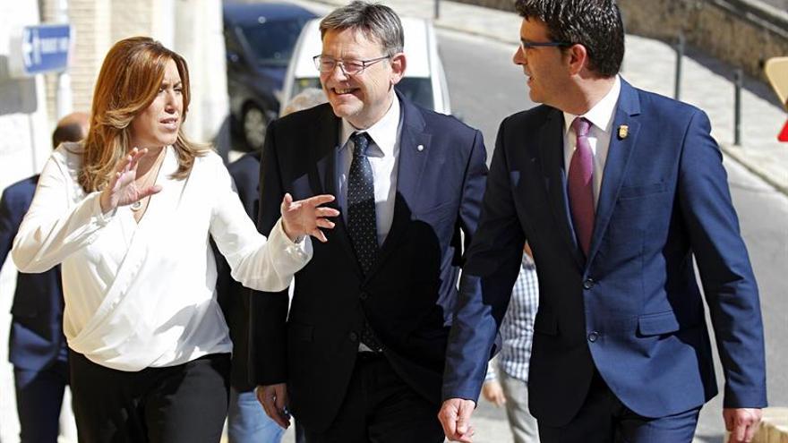 """Susana Díaz vive la recogida de avales """"ilusionada"""" por el cariño que recibe"""