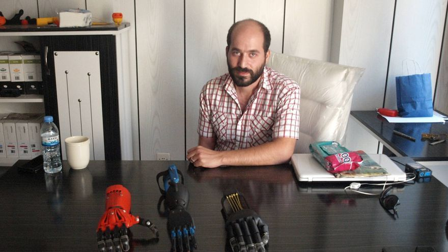 Abdul en su oficina de Gaziantep   Fabiola Barranco