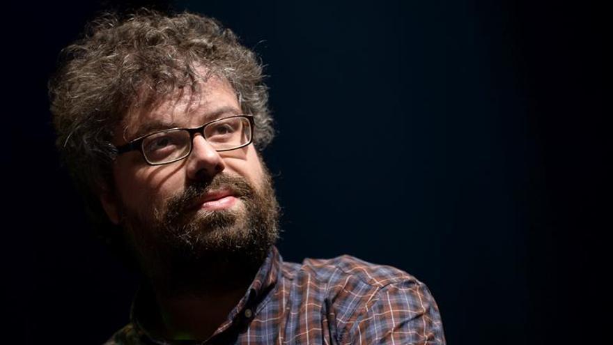 "Del Molino vuelve a hablar de muerte pese a que quiso ser un escritor ""frívolo"""