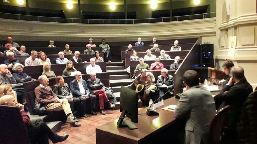 Presentación del libro '¿Lugares que no importan?' en el Paraninfo de la Universidad de Zaragoza.