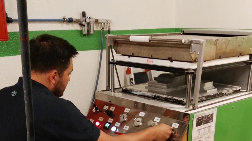 Zona de producción de piezas y componentes con los moldes previamente confeccionados