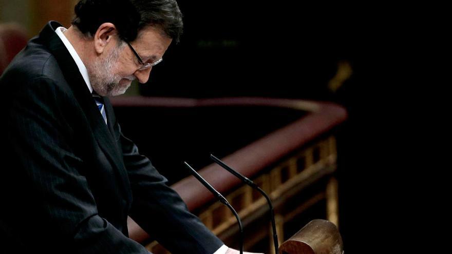 El presidente del Gobierno en funciones, Mariano Rajoy, en la tribuna de oradores del Congreso. /EFE