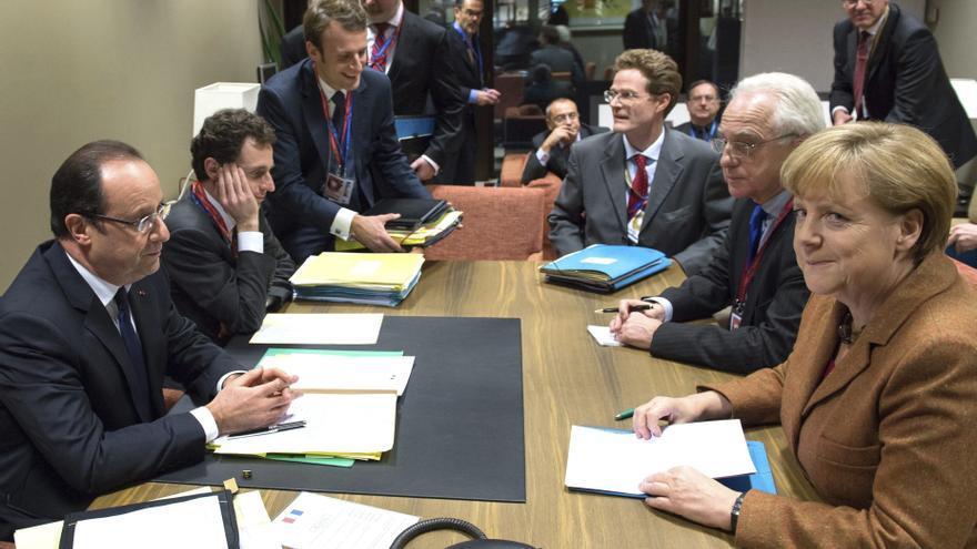 Los Veintisiete suspenden hasta mañana su cumbre sobre el presupuesto 2014-2020
