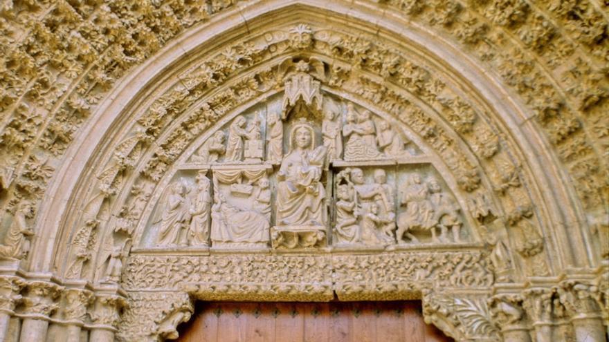 Los sábados se podrán visitar las obras de restauración de la portada de la iglesia de Santa María de Olite