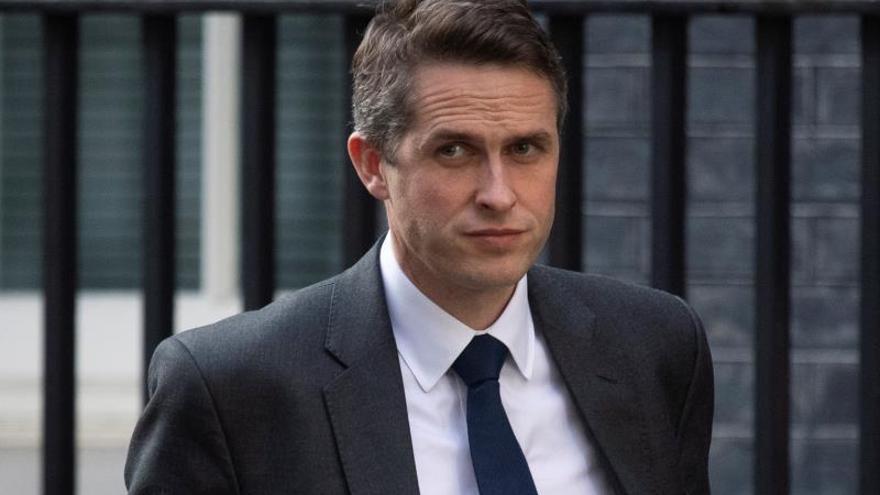 May destituye al ministro de Defensa, Gavin Williamson