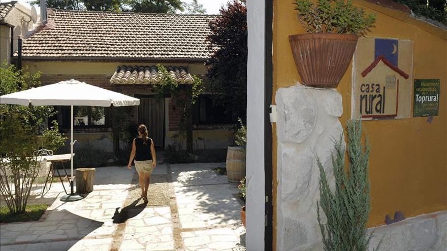 El alojamiento extrahotelero sube el 4,8 % en octubre gracias al turismo rural