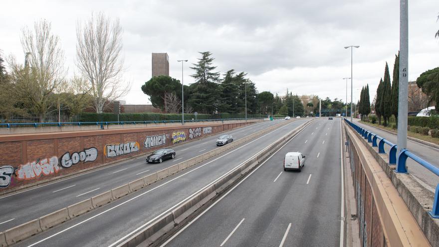 Carreteras vacías durante el segundo día laborable del estado de alarma.