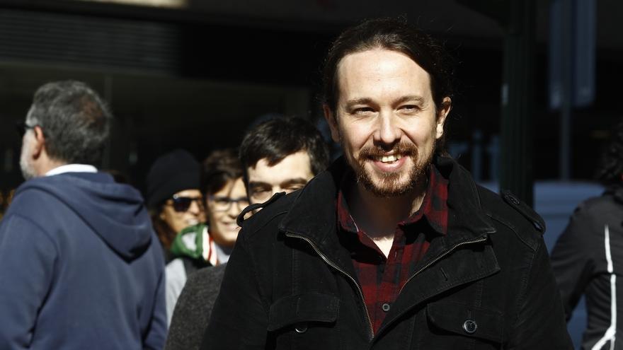 """Pablo Iglesias anima a los 'Anticapitalistas' tras lanzar su manifiesto sobre el Podemos que quieren: """"Mucha fuerza"""""""
