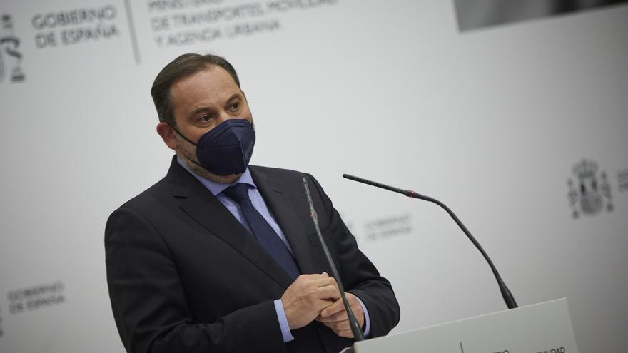 El ministro de Transportes, Movilidad y Agenda Urbana, José Luis Ábalos, interviene durante una rueda de prensa tras mantener una reunión con el Gobierno gallego en la sede del Ministerio, en Madrid, (España), a 10 de marzo de 2021.
