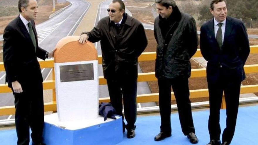 Francisco Camps, Carlos Fabra, y los exconsellers Vicente Rambla y Mario Flores, todos implicados en casos de corrupción.
