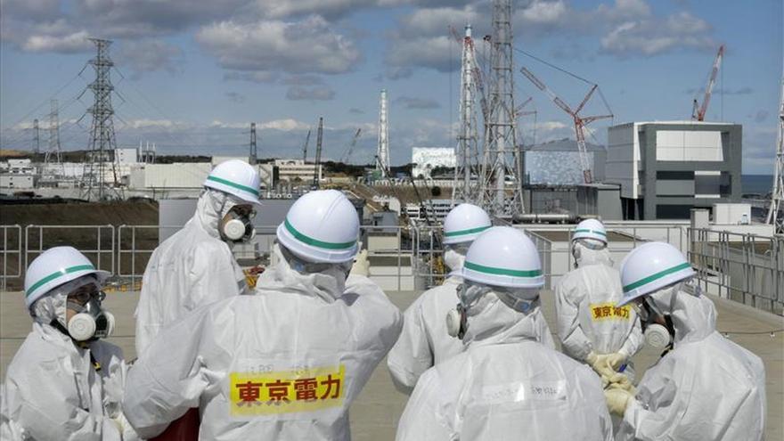 A diario 150 toneladas de agua subterránea penetran en los sótanos del reactor [y se contaminen].