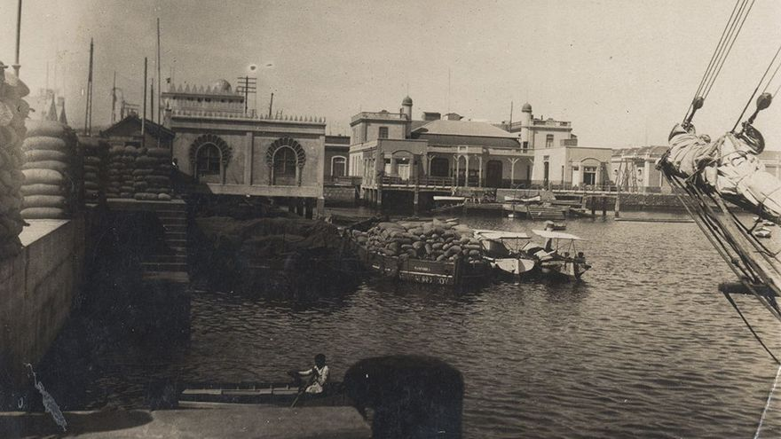 Muelle de Santa Catalina y antiguo Club Náutico, 1920.