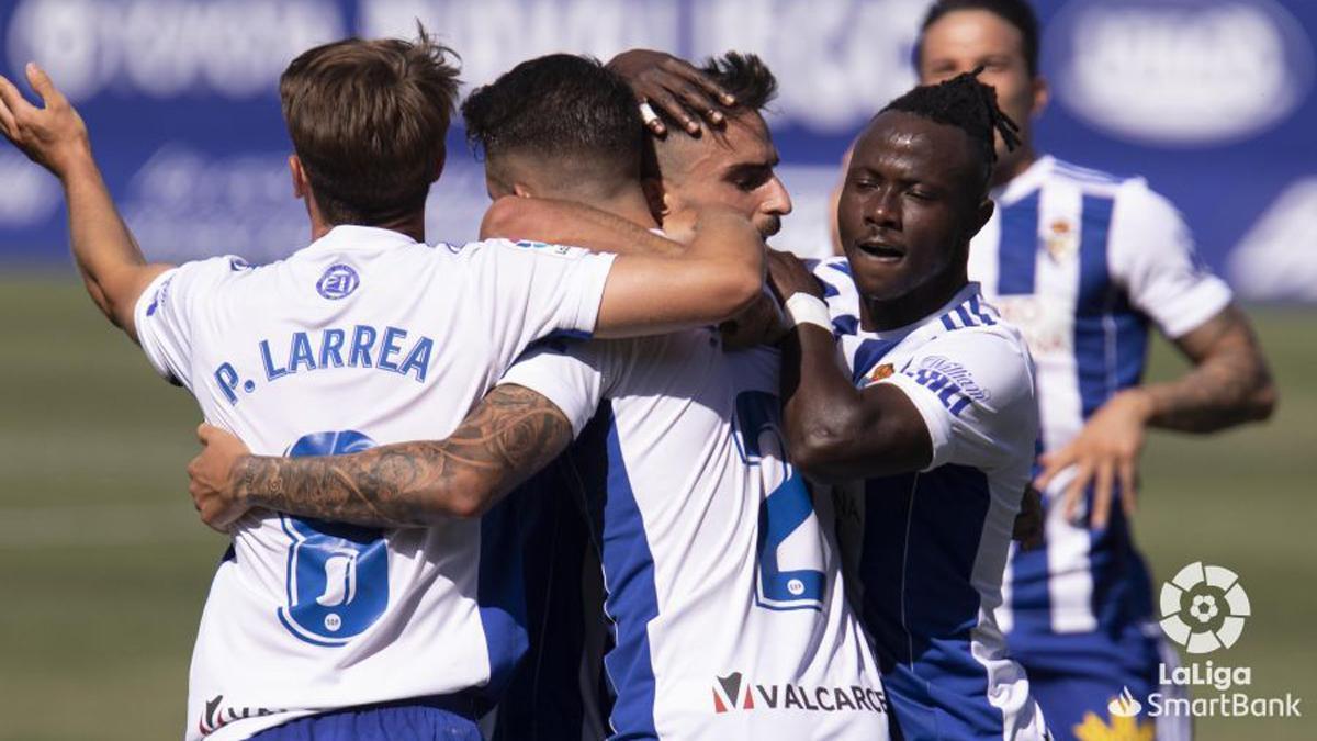 Moussa Sidibé celebra un gol de la Ponferradina.