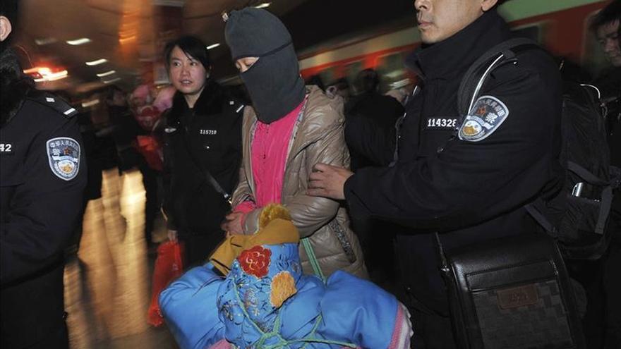 Policía china desmantela una red que trasladó a 3.200 personas a las Américas