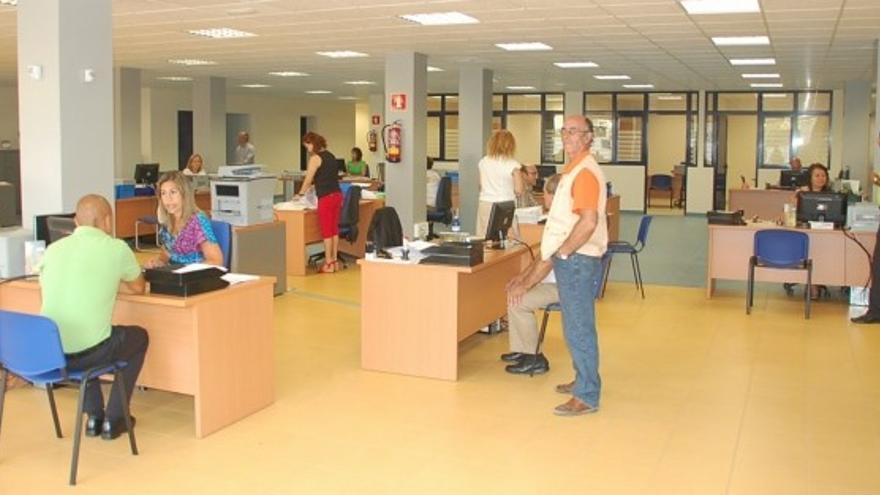 Trabajadores de valora en gran canaria presentan un for Oficina tributaria canaria