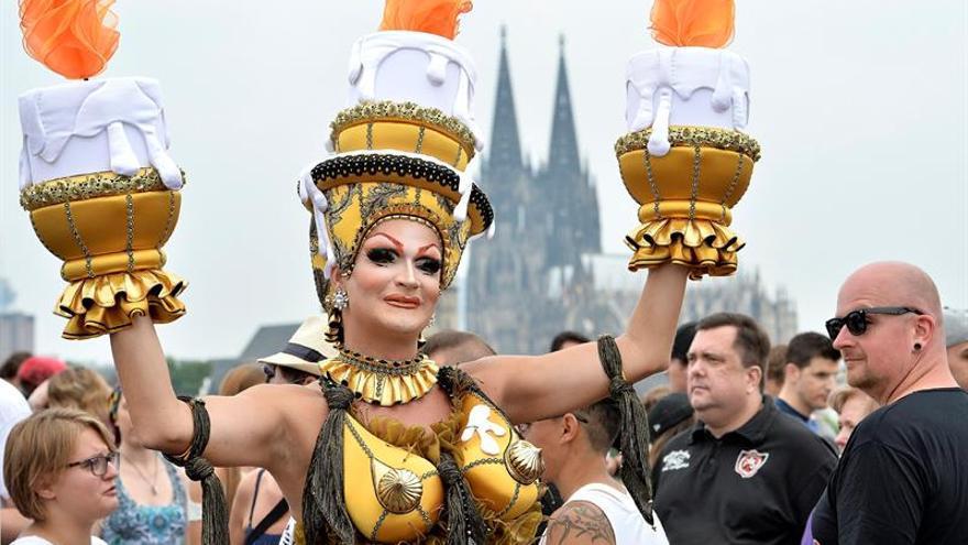 Centenares de miles celebran en Alemania legalización del matrimonio gay