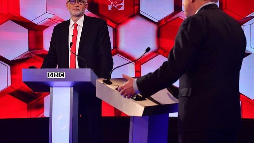 Johnson logra una ligera ventaja en el último cara a cara frente a Corbyn.