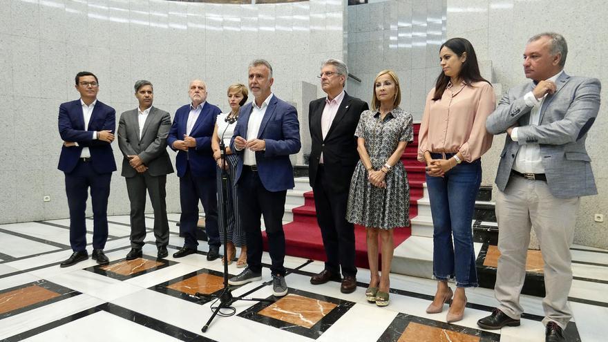 Reunión del presidente del Gobierno de Canarias, Ángel Víctor Torres, con todos los grupos parlamentarios.