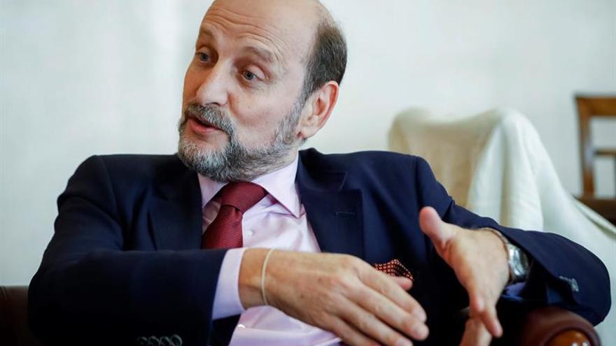 Los miembros de la Junta Directiva de la SGAE planean una moción de censura contra Sastrón