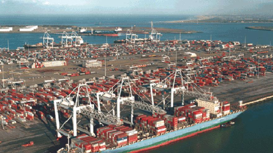 Imagen de archivo del puerto de Rotterdam