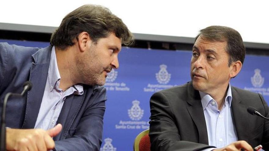 El portavoz socialista José Ángel Martín y el alcalde Bermúdez, en una foto del mandato anterior
