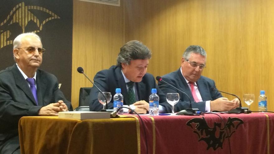 Luís Santamaría, durante su intervención en el foro de Lo Rat Penat