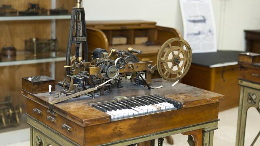 RECORRIDO POR 10 SANTUARIOS DE LA HISTORIA DE LA COMPUTACIÓN. Museo-Torres-Quevedo-Telegraphe-Hughesjpg_EDIIMA20141013_0766_13