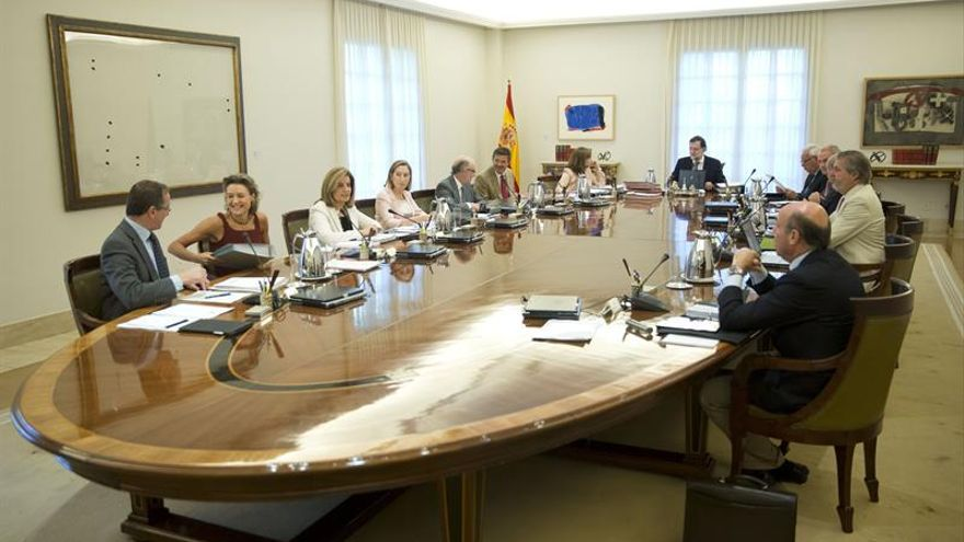 Fotografía facilitada por la Presidencia del Gobierno del Consejo de Ministros, presidido por Mariano Rajoy. EFE/Diego Crespo