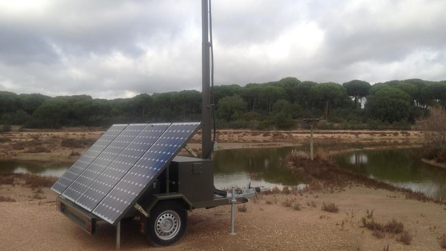 Placa solar para la generación de energía fotovoltáica en el Paraje Natural Marismas del Odiel (Huelva).