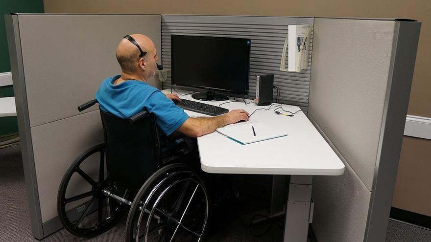 Inserción laboral de una persona con discapacidad. (DP).