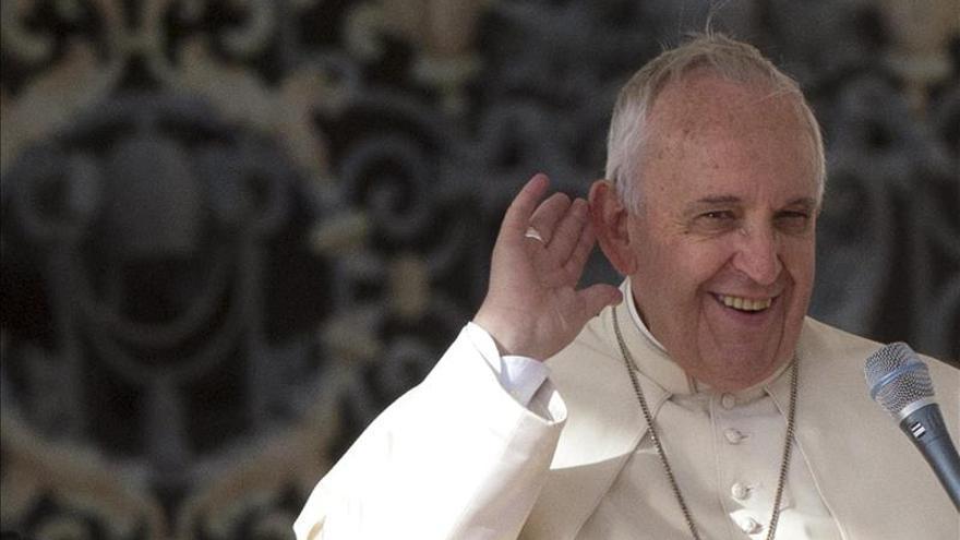 Carlotto y su familia, recibidos por el papa en el Vaticano