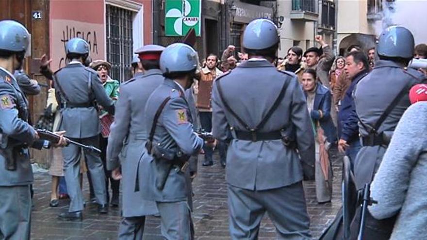 Imagen del rodaje de la película 'Tres de Marzo', que reproduce la matanza de Vitoria. Foto: EITB