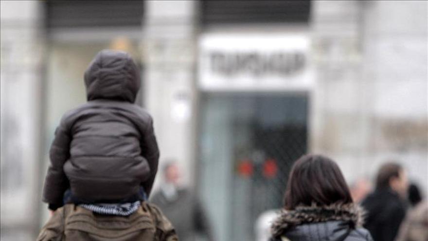 Los divorcios y las separaciones siguen descendiendo en España. \ Efe