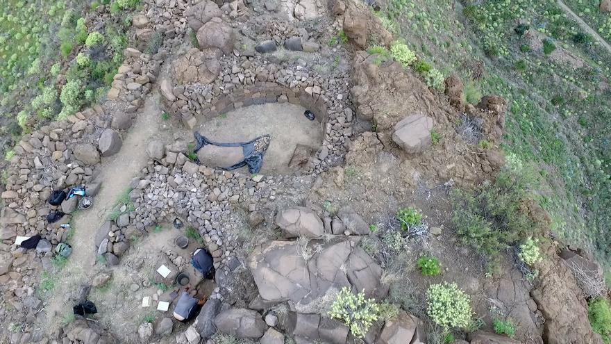 Arqueólogos durante la última excavación en La Fortaleza.