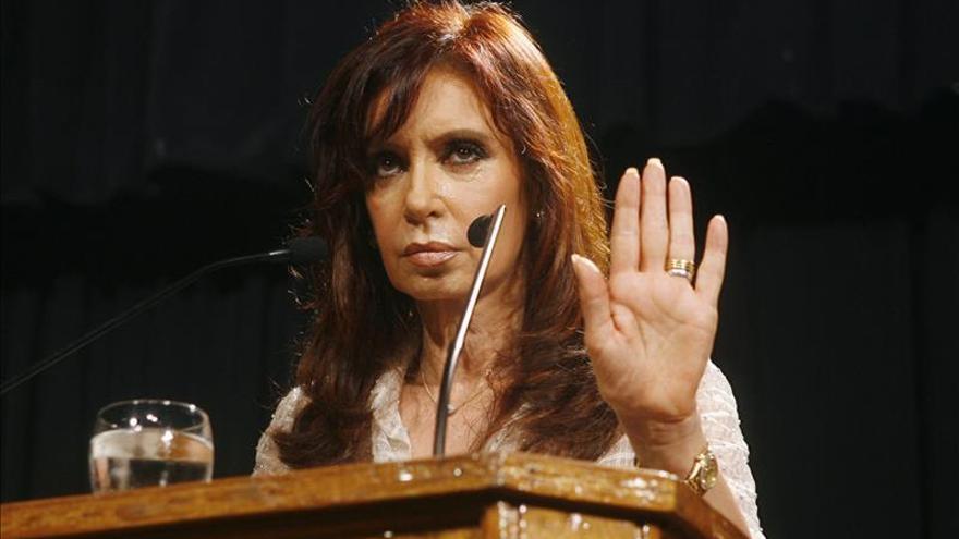 Denuncian a Cristina Fernández por el manejo de una sociedad hotelera