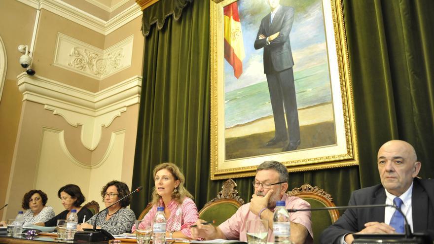 La alcaldesa de Castellón, Amparo Marco, en una de sus intervenciones durante el pleno