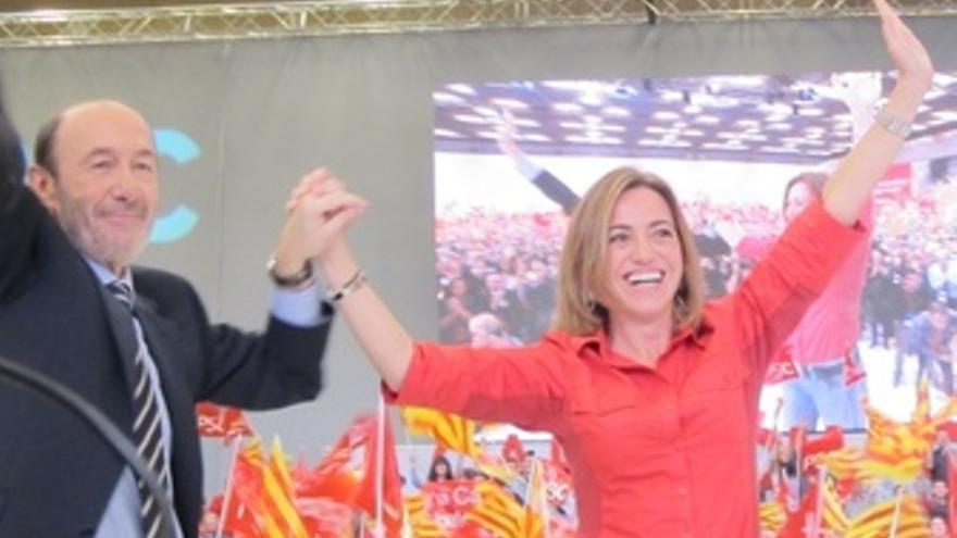 Rubcalcaba Y Chacón (PSOE) En Un Mitin En Barcelona
